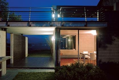 Arch 39 it architetture dap studio elena sacco paolo danelli casa unifamiliare a canelli - Luci esterne casa ...